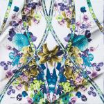 Aker Rengarenk Çiçekli İpek Eşarp Modeli