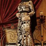 Pınar Şems - Siyah Pelerinli Boydan Saraylı Abiye