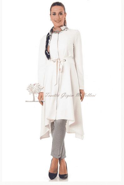 Tuğba Yeni Sezon Beyaz Kap Modeli