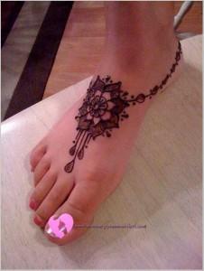 Ayağa Hint Kınası Modası