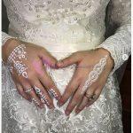 Tesettürlü Gelinlerin Ellerine Beyaz Hint Kınası