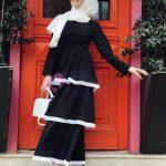 Siyah Beyaz Fırfırlı Kat Kat Elbise Modelleri