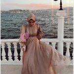 Deniz Kenarında Mezuniyet Giyim Tesettür